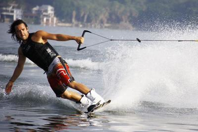 How-to Clean Your Wakeboard